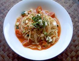 レシピ モッツァレラ入り冷製トマトスパ