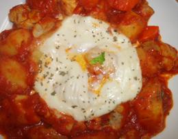 レシピ レシピ 鶏とジャガイモのトマト煮にモッツァレラをかけて